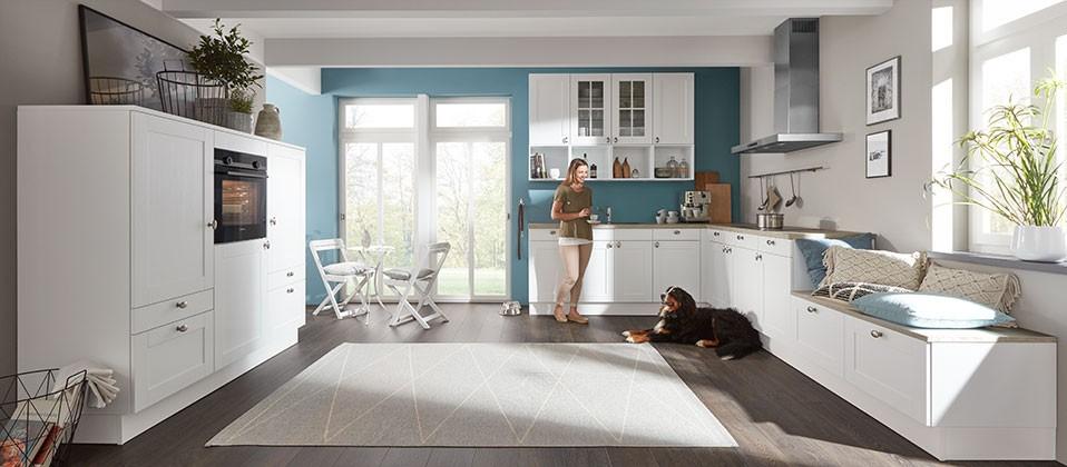 Wohnliche Einbauküche im modernem Landhaus-Stil | InterCuisines